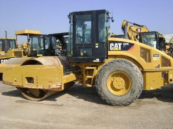 Запчасти для грунтового катка Caterpillar CS76  Caterpillar CS76 XT